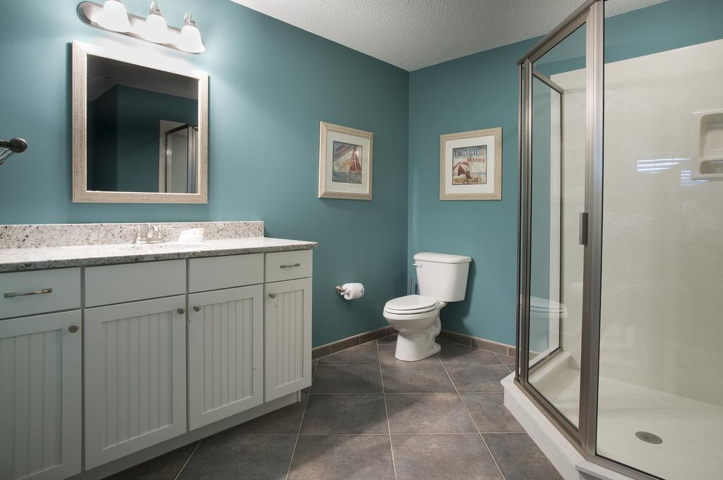Bluewater by Spinnaker Resorts Bathroom